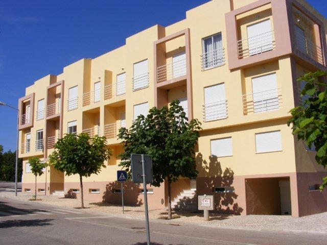 Long Term Let, New Unfurnished Three Bedroom Apartment With Garage Only  1200 Meter From The Beach In Cabanas De Tavira, Conceição   Portugal